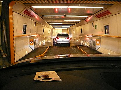 tunnel sous la manche en voiture avec le shuttle d 39 eurotunnel. Black Bedroom Furniture Sets. Home Design Ideas
